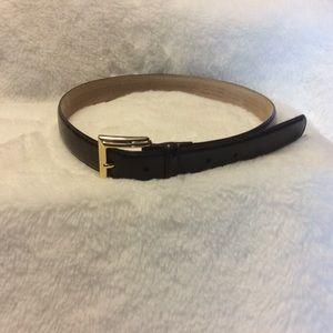 Liz Claiborne Belt.  Looks great! Dark Brown.